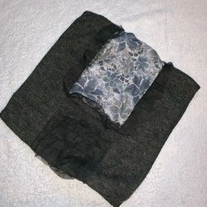 🧣 NWT Gray and black floral scarf